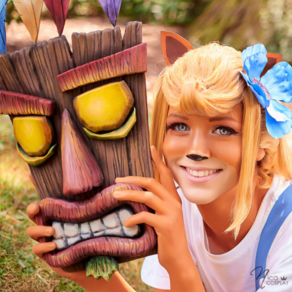 Crash-Bandicoot-Coco-Cosplay-Gamers-Heroes-2.png