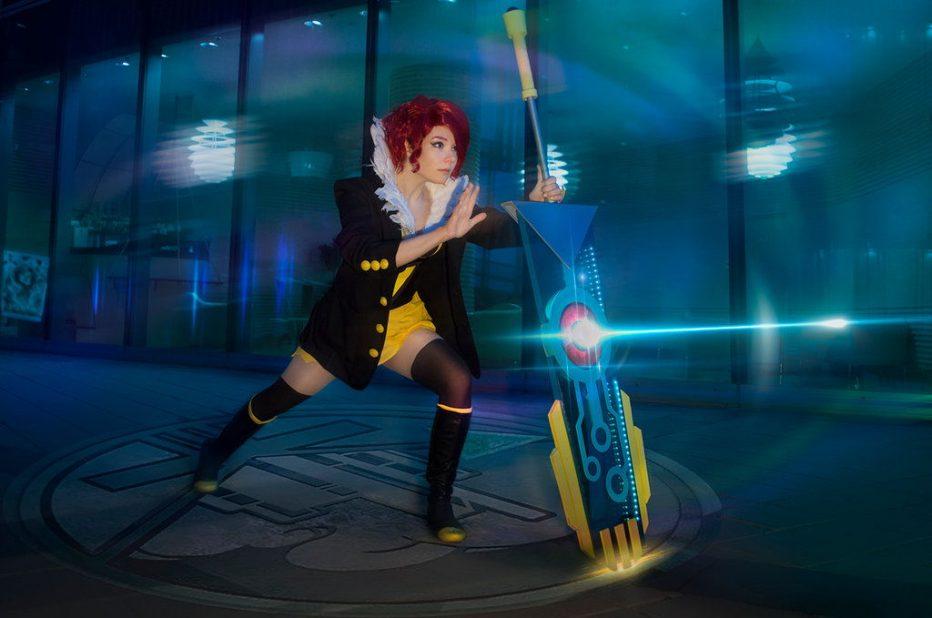 Transistor-Red-Cosplay-Gamers-Heroes-2.jpg