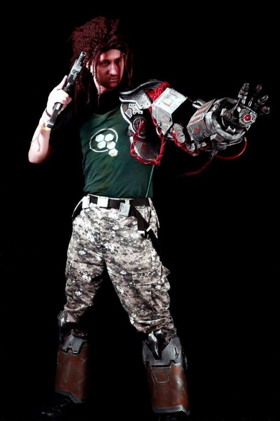 Bionic-Commando-Nathan-Spencer-Cosplay-Gamers-Heroes-2.jpg