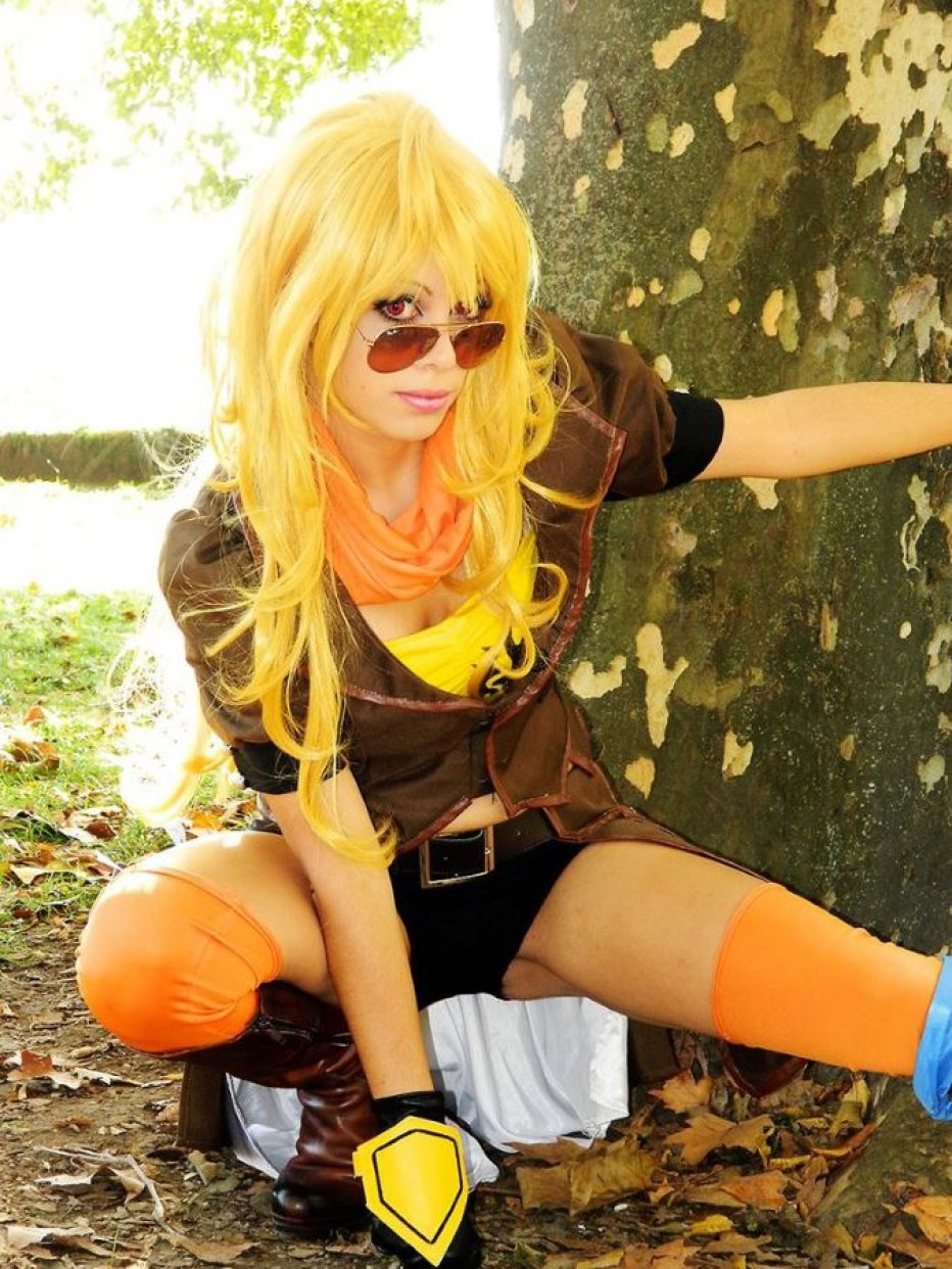 RWBY-Yang-Xiao-Long-Cosplay-Gamers-Heroes-4.jpg