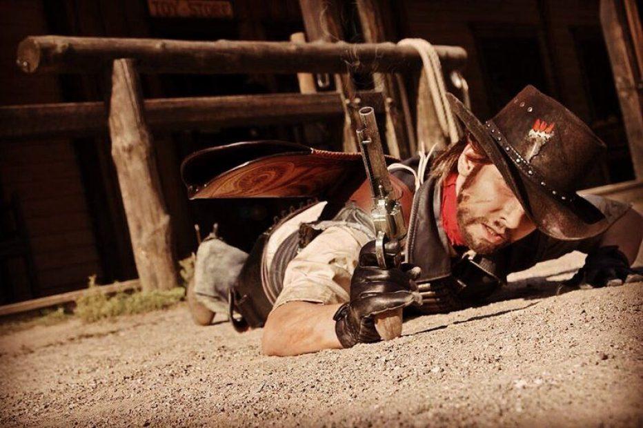 Red-Dead-Redemption-John-Marston-Cosplay-Gamers-Heroes-4.jpg