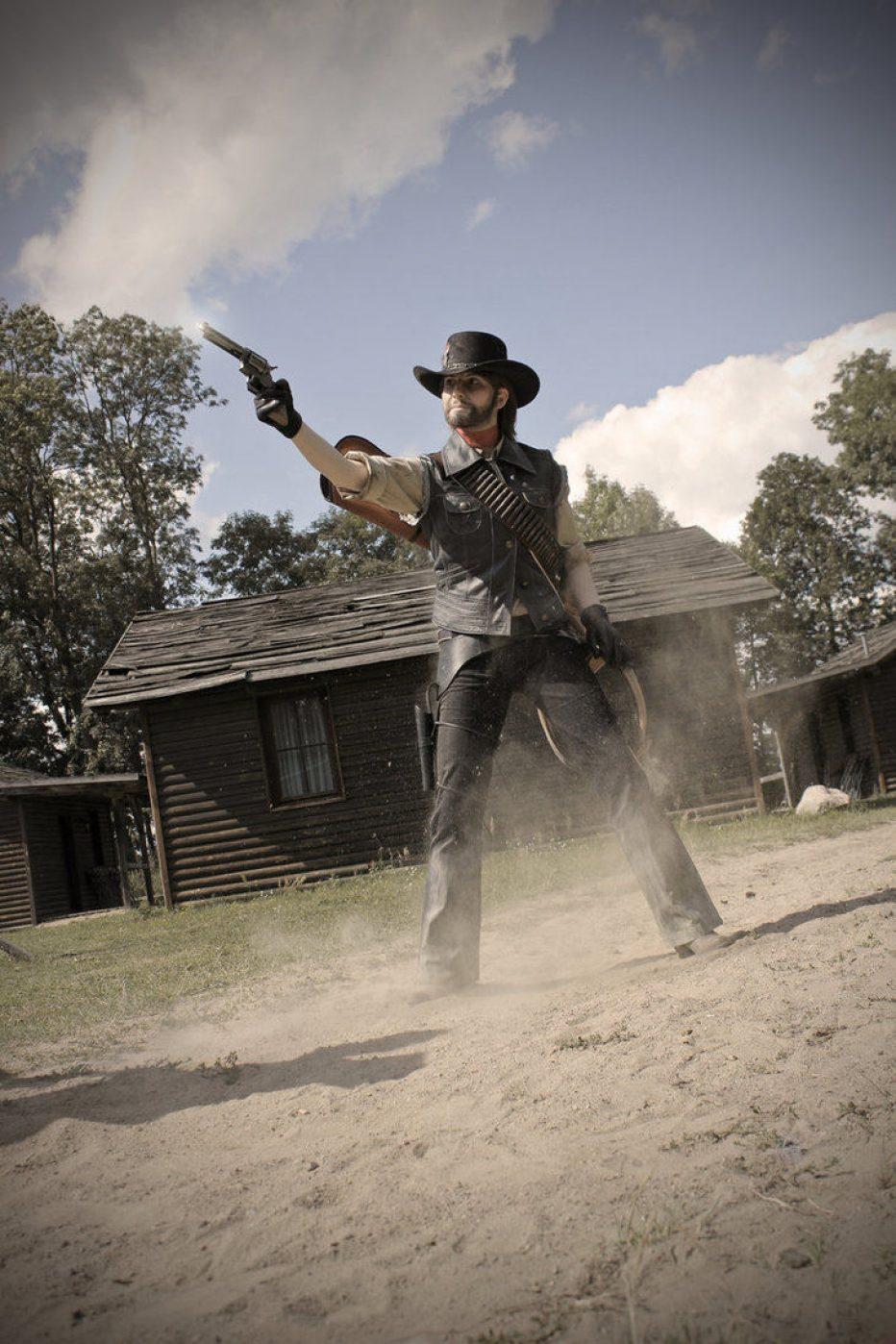 Red-Dead-Redemption-John-Marston-Cosplay-Gamers-Heroes-6.jpg