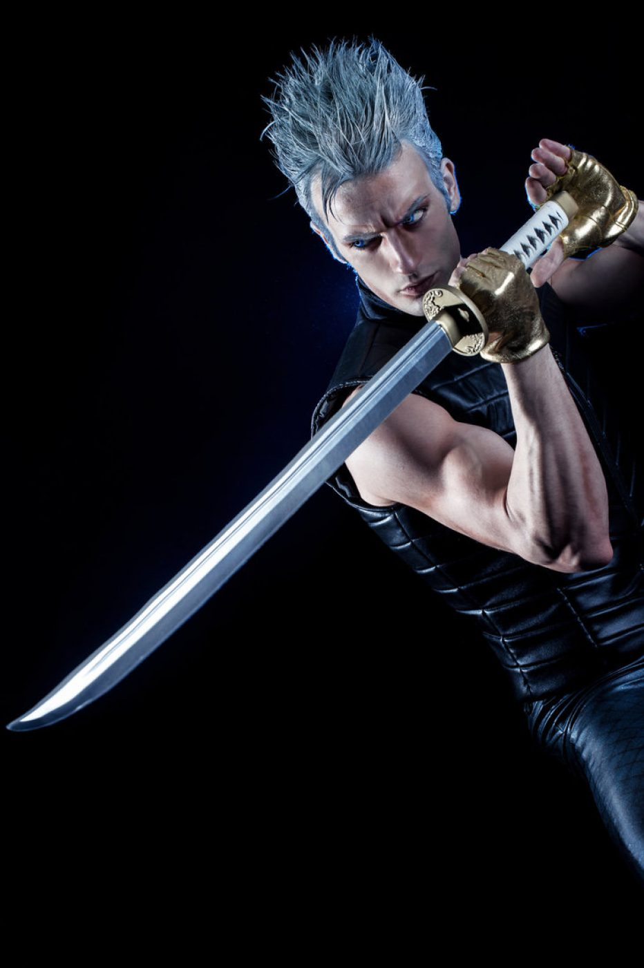 Devil-May-Cry-Vergil-Cosplay-Gamers-Heroes-3.jpg