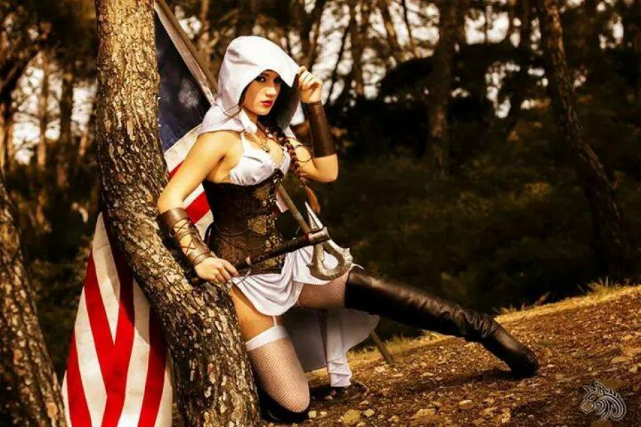 Assassins-Creed-Female-Cosplay-Gamers-Heroes-3.jpg