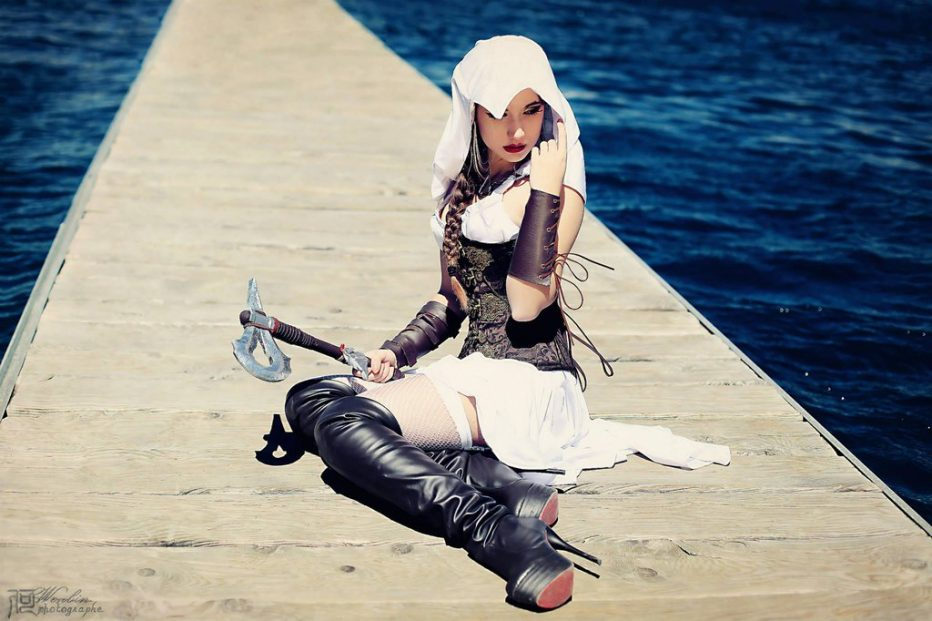 Assassins-Creed-Female-Cosplay-Gamers-Heroes-7.jpg