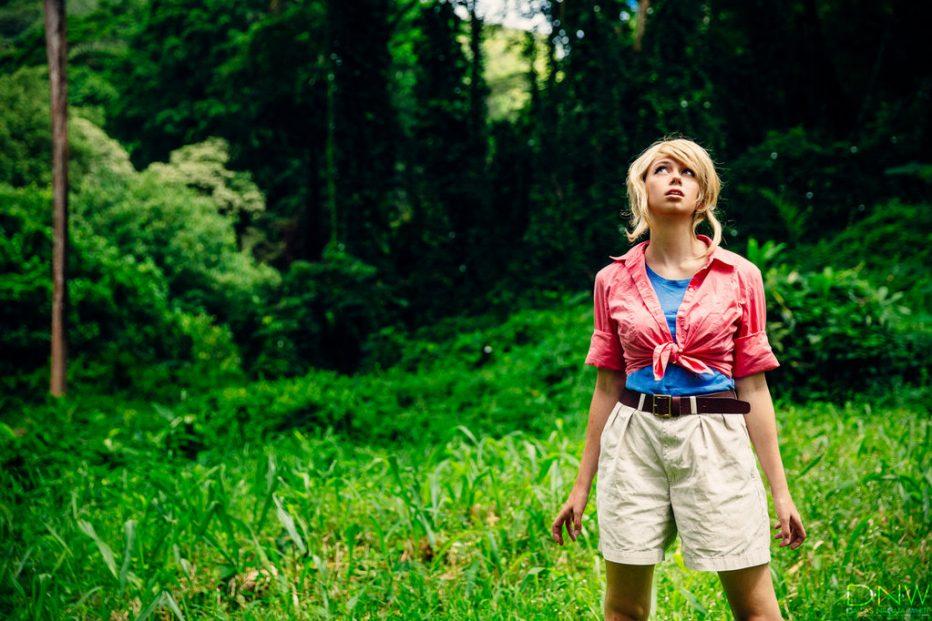 Jurassic-Park-Dr.-Ellie-Sattler-Cosplay-Gamers-Heroes-1.jpg