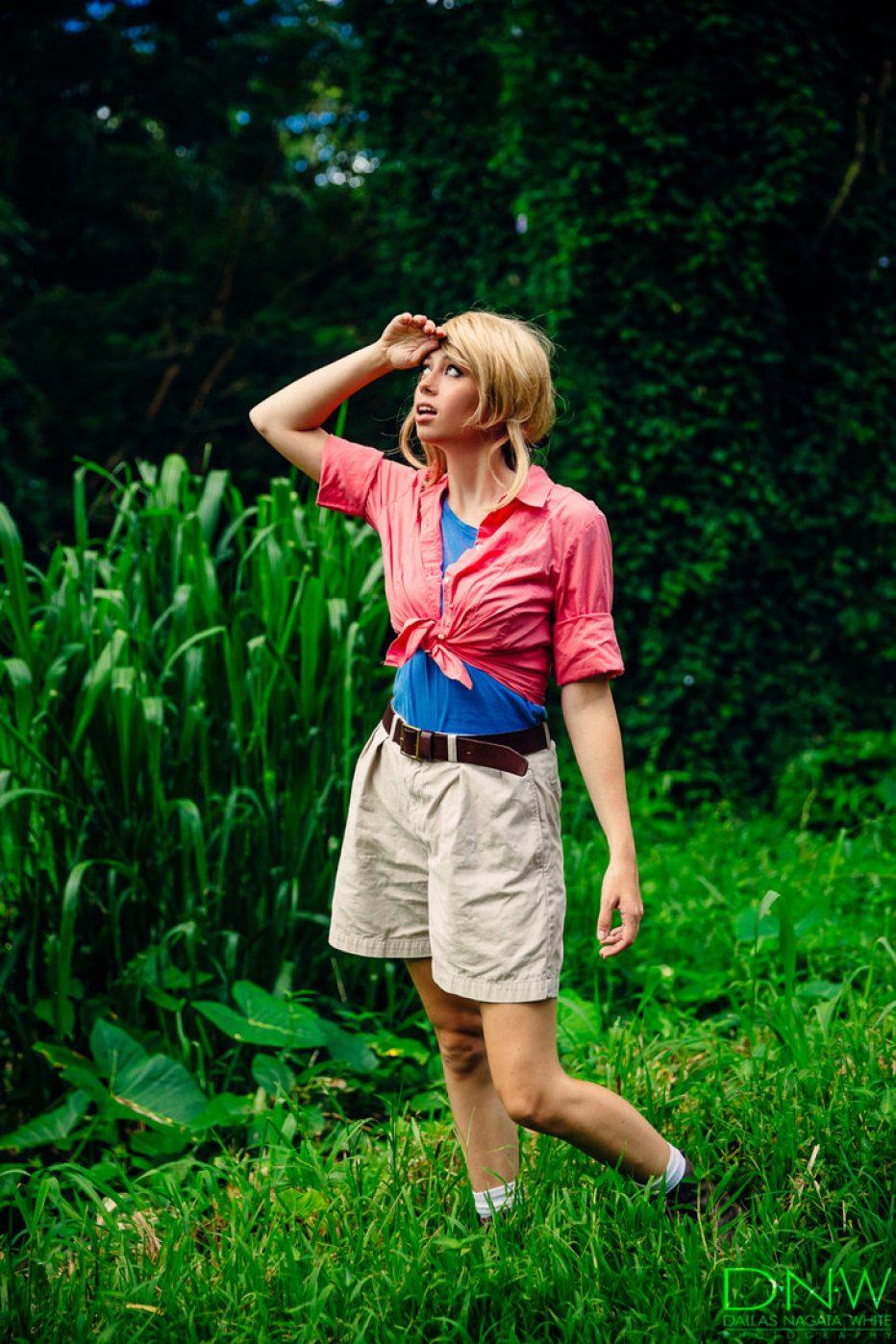 Jurassic-Park-Dr.-Ellie-Sattler-Cosplay-Gamers-Heroes-2.jpg