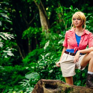 Cosplay Wednesday – Jurassic Park's Dr. Ellie Sattler