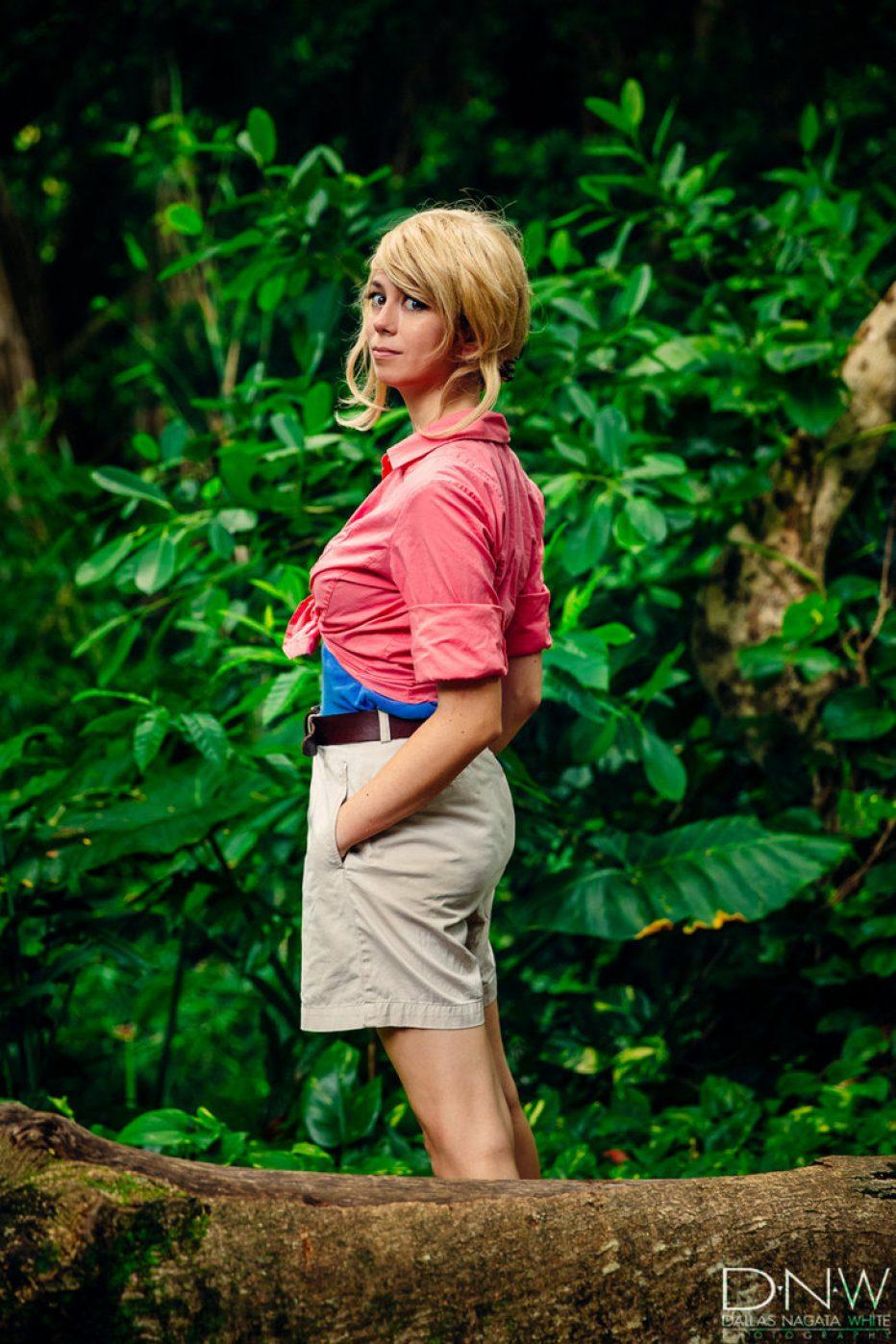 Jurassic-Park-Dr.-Ellie-Sattler-Cosplay-Gamers-Heroes-4.jpg