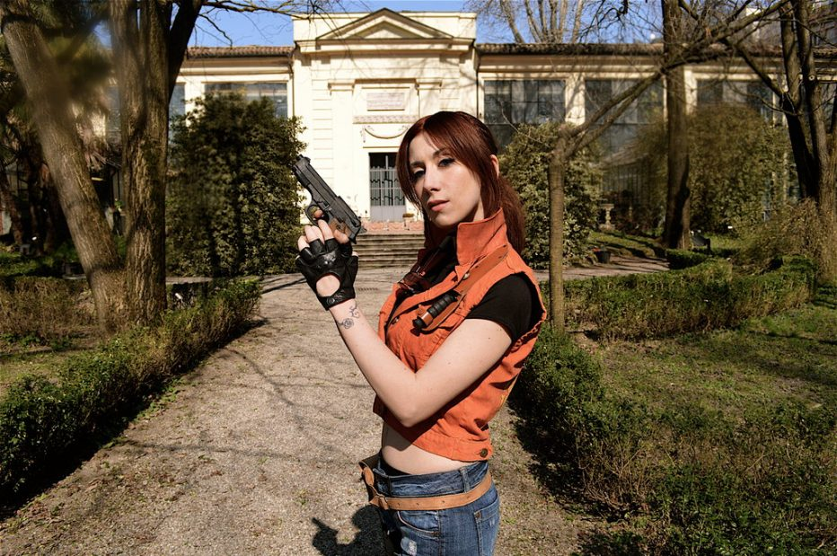 Resident-Evil-2-Claire-Redfield-Cosplay-Gamers-Heroes-1.jpg