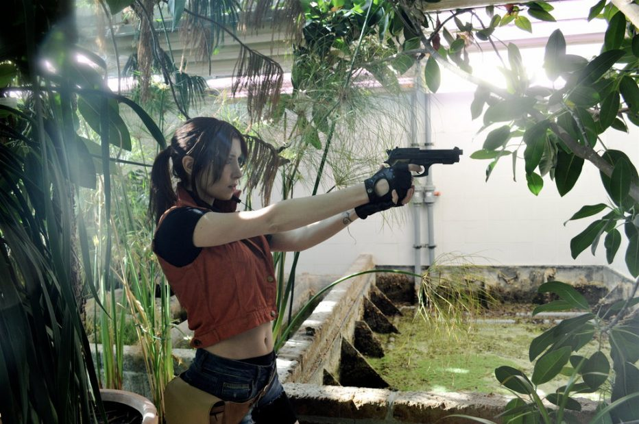 Resident-Evil-2-Claire-Redfield-Cosplay-Gamers-Heroes-2.jpg