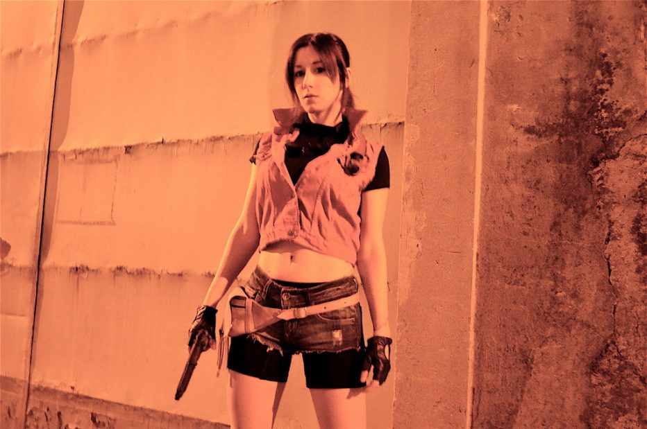 Resident-Evil-2-Claire-Redfield-Cosplay-Gamers-Heroes-5.jpg