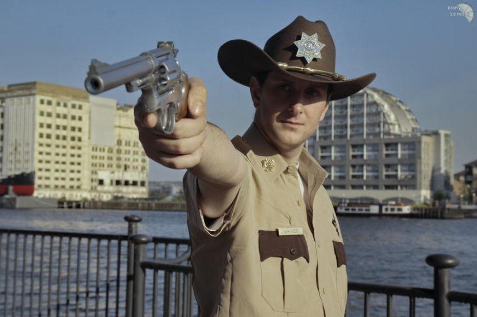 The-Walking-Dead-Rick-Grimes-Cosplay-Gamers-Heroes-1.jpg