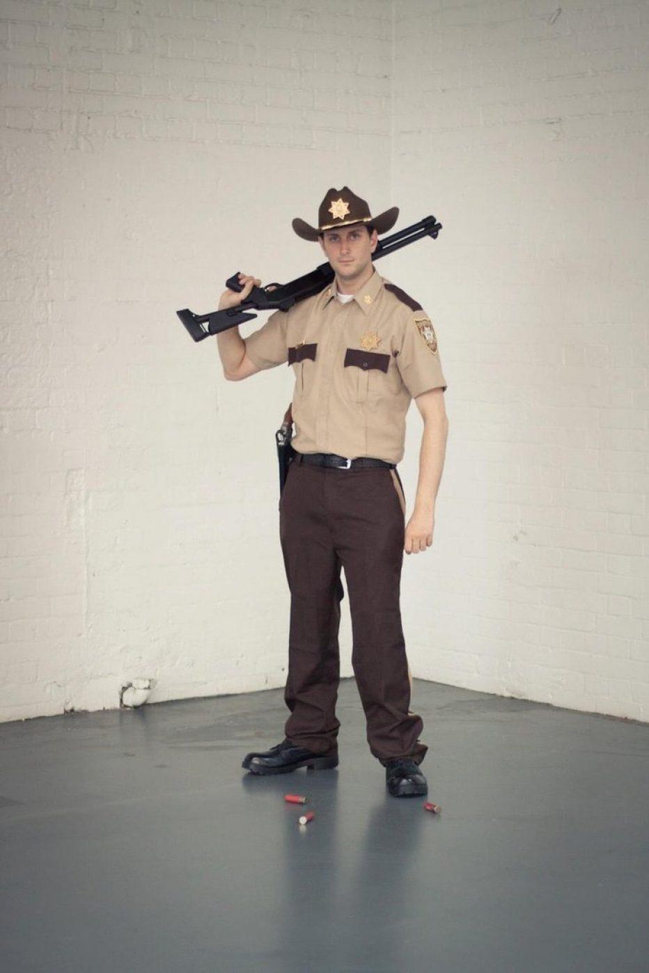 The-Walking-Dead-Rick-Grimes-Cosplay-Gamers-Heroes-3.jpg