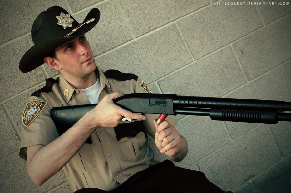 The-Walking-Dead-Rick-Grimes-Cosplay-Gamers-Heroes-8.jpg