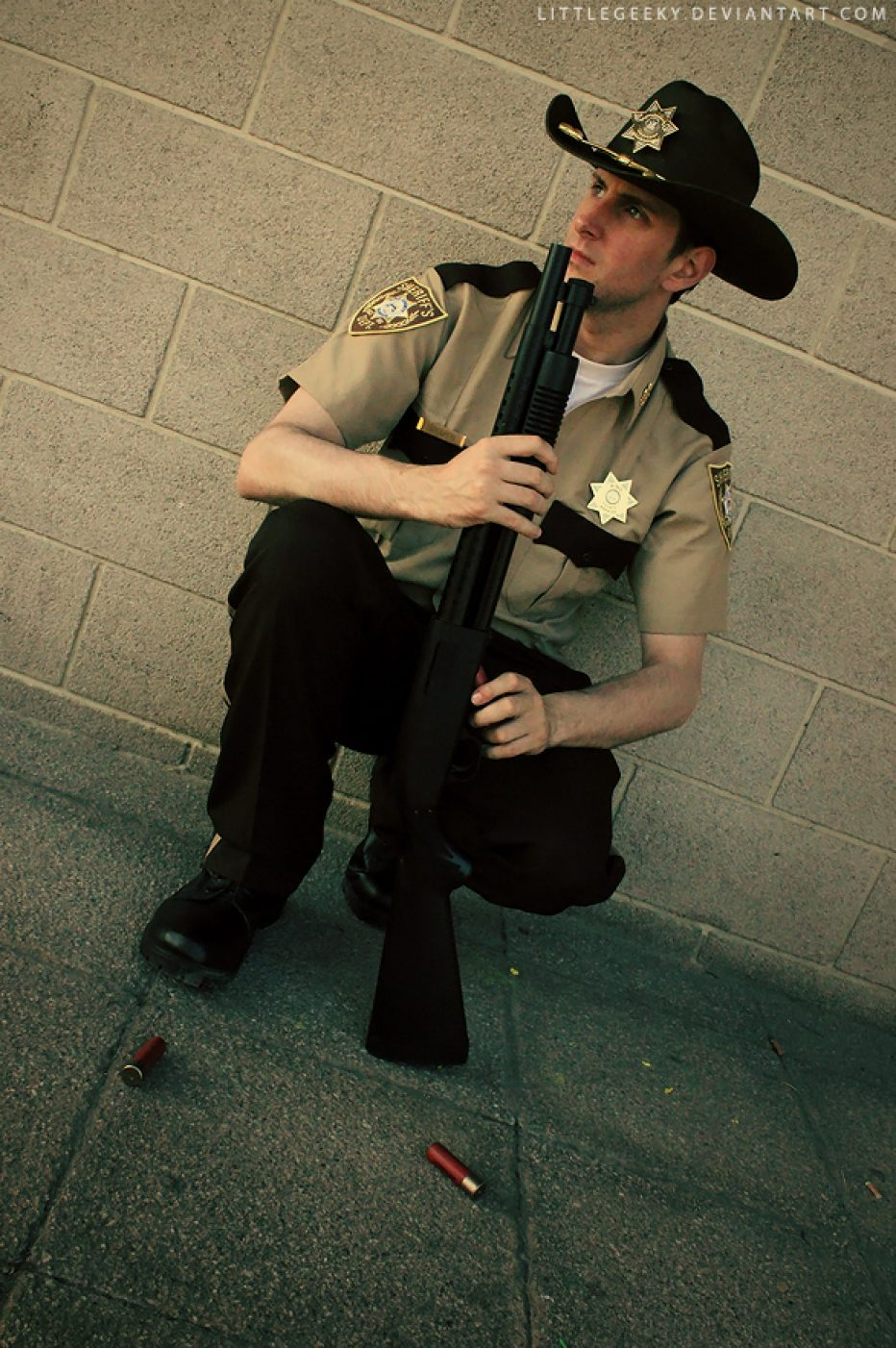 The-Walking-Dead-Rick-Grimes-Cosplay-Gamers-Heroes-9.jpg