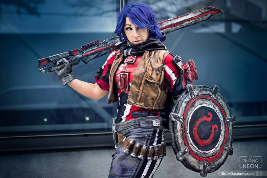Borderlands-Athena-Cosplay-Gamers-Heroes-1.jpg