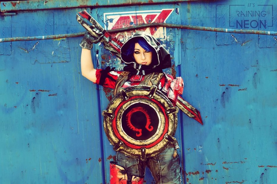 Borderlands-Athena-Cosplay-Gamers-Heroes-3.jpg