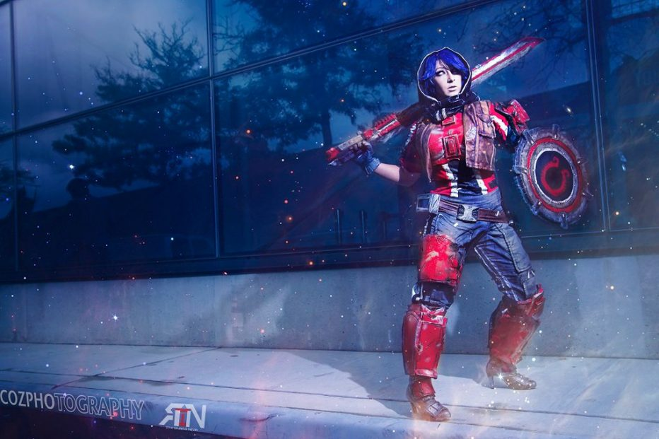 Borderlands-Athena-Cosplay-Gamers-Heroes-5.jpg