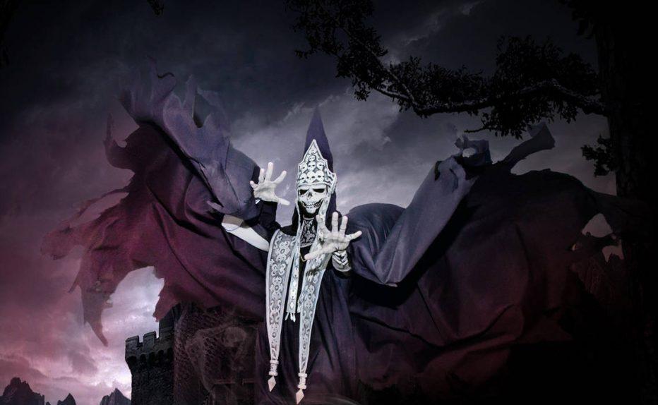 Castlevania-Death-Cosplay-Gamers-Heroes-2.jpg