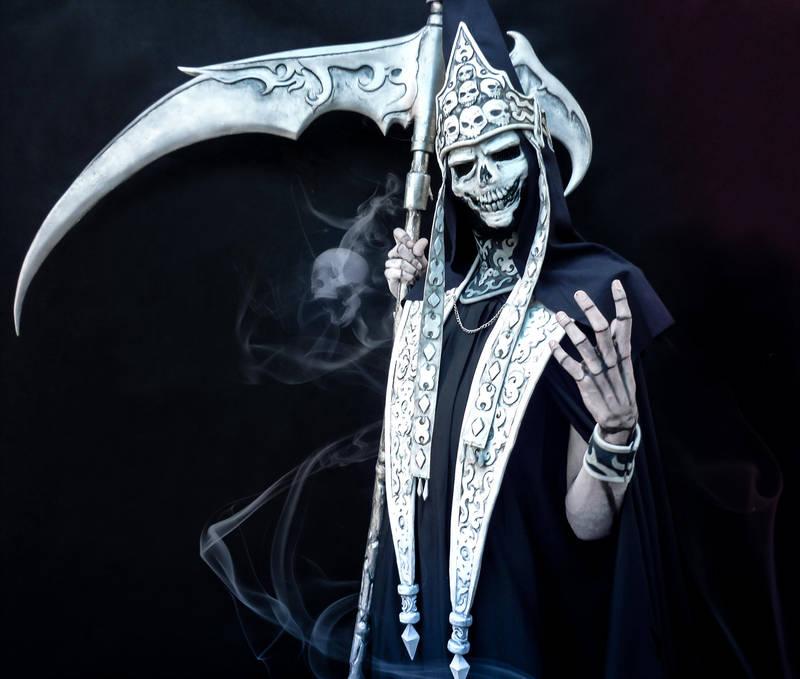 Castlevania Death Cosplay - Gamers Heroes