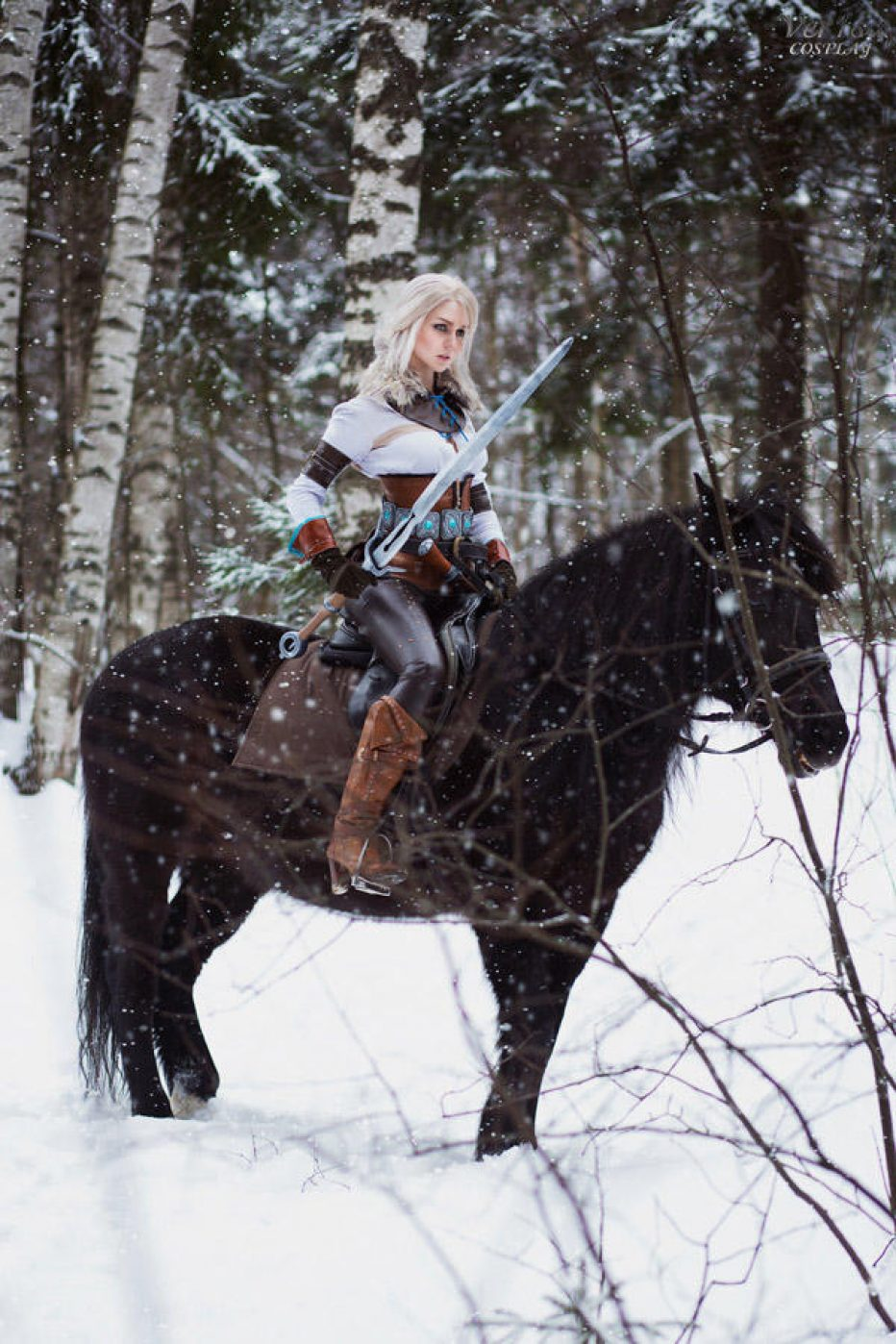 The-Witcher-3-Ciri-Cosplay-Gamers-Heroes-4.jpg