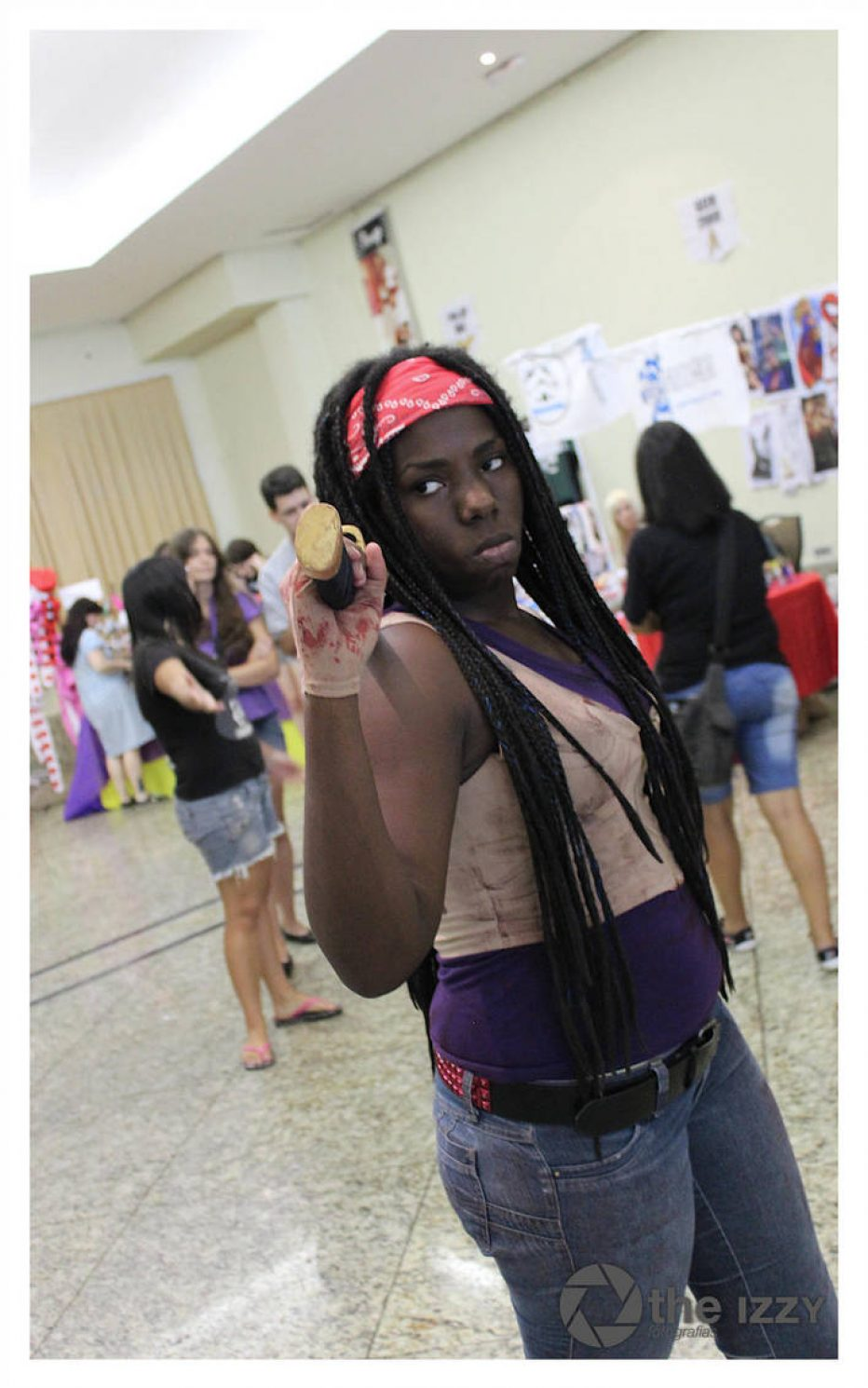 The-Walking-Dead-Michonne-Cosplay-Gamers-Heroes-4.jpg
