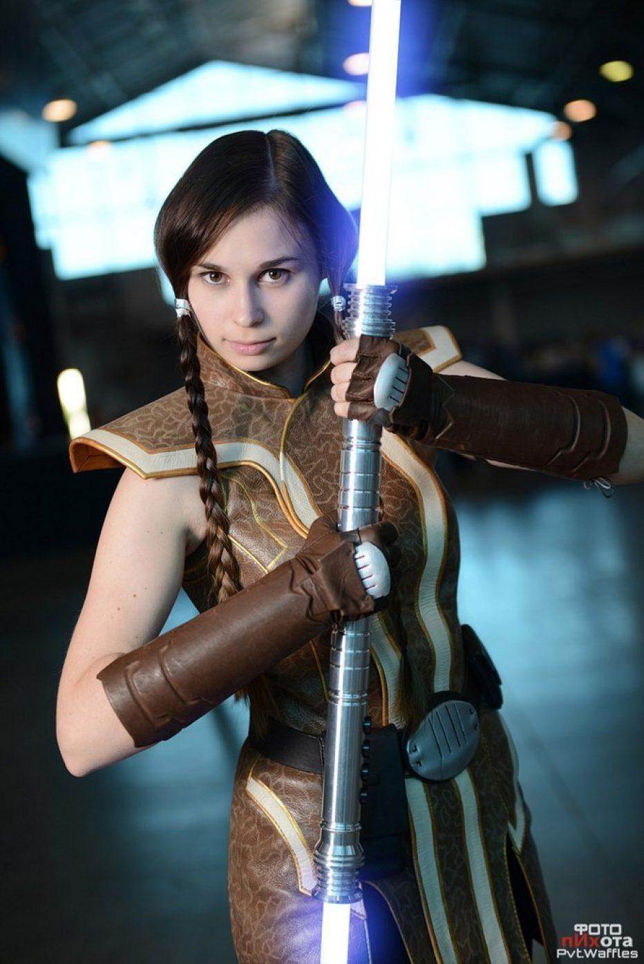Jedi-Grand-Master-Satele-Shan-Cosplay-Gamers-Heroes-2.jpg