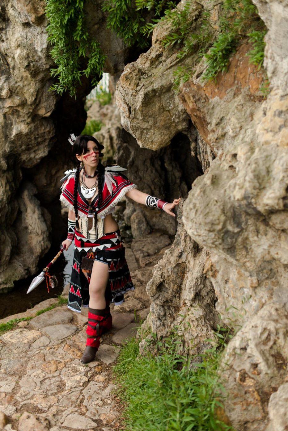 Assassins-Creed-IIIs-Alsoomse-Cosplay-Gamers-Heroes-3.jpg