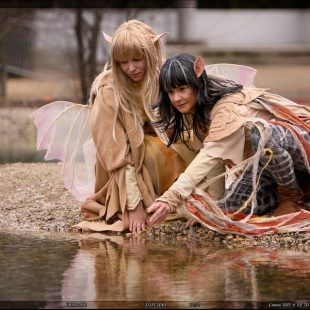 Cosplay Wednesday – The Dark Crystal's Kira and Jen