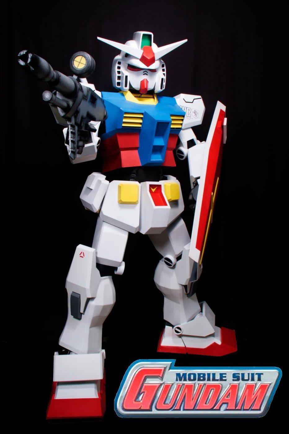 Gundam-RX-78-Cosplay-Gamers-Heroes-1.jpg