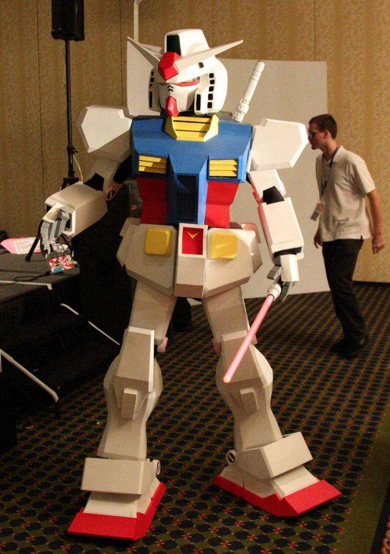 Gundam-RX-78-Cosplay-Gamers-Heroes-2.jpg