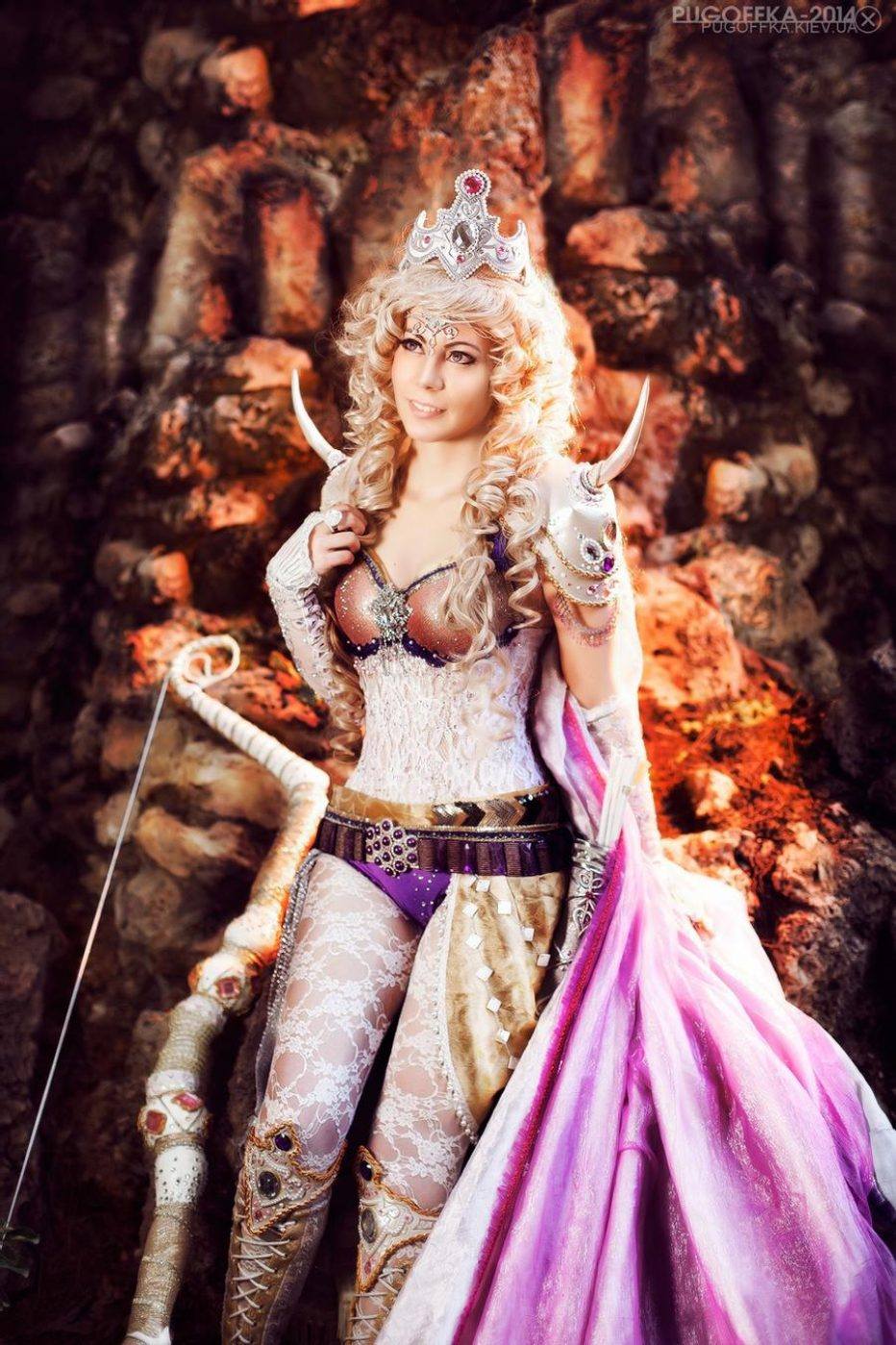 Final-Fantasy-IV-Rosa-Farrell-Cosplay-Gamers-Heroes-1.jpg