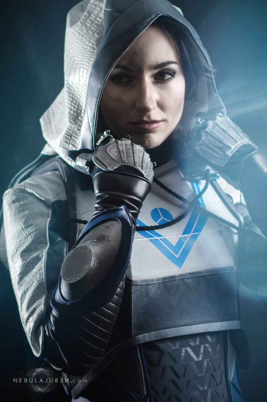 Destiny-2-Huntress-Cosplay-Gamers-Heroes-1.jpg