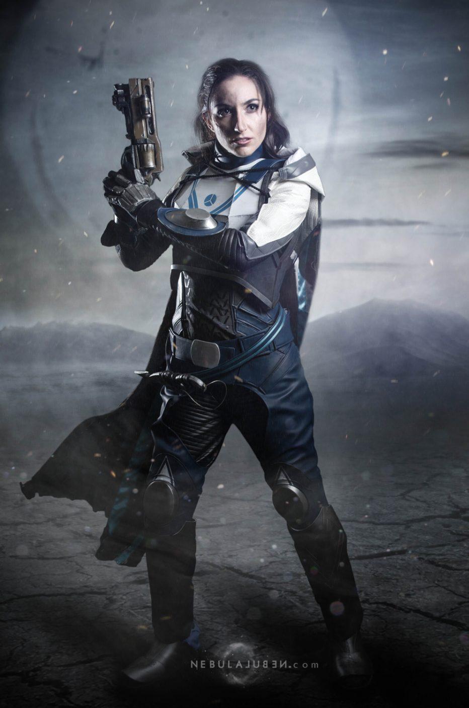 Destiny-2-Huntress-Cosplay-Gamers-Heroes-3.jpg