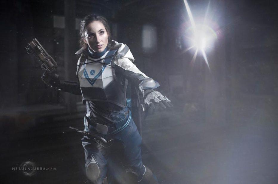 Destiny-2-Huntress-Cosplay-Gamers-Heroes-4.jpg