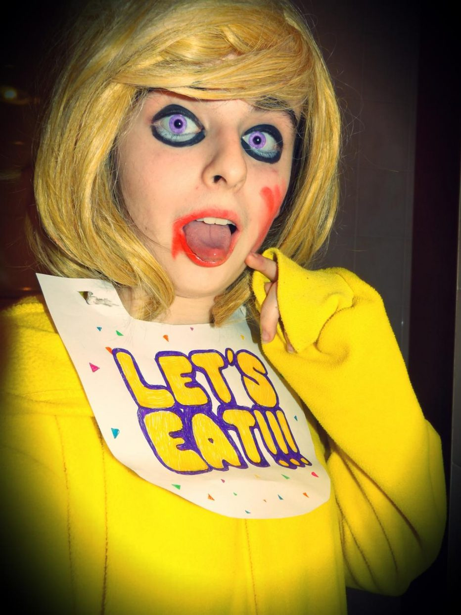 Five-Nights-at-Freddys-Chica-Cosplay-Gamers-Heroes-3.jpg
