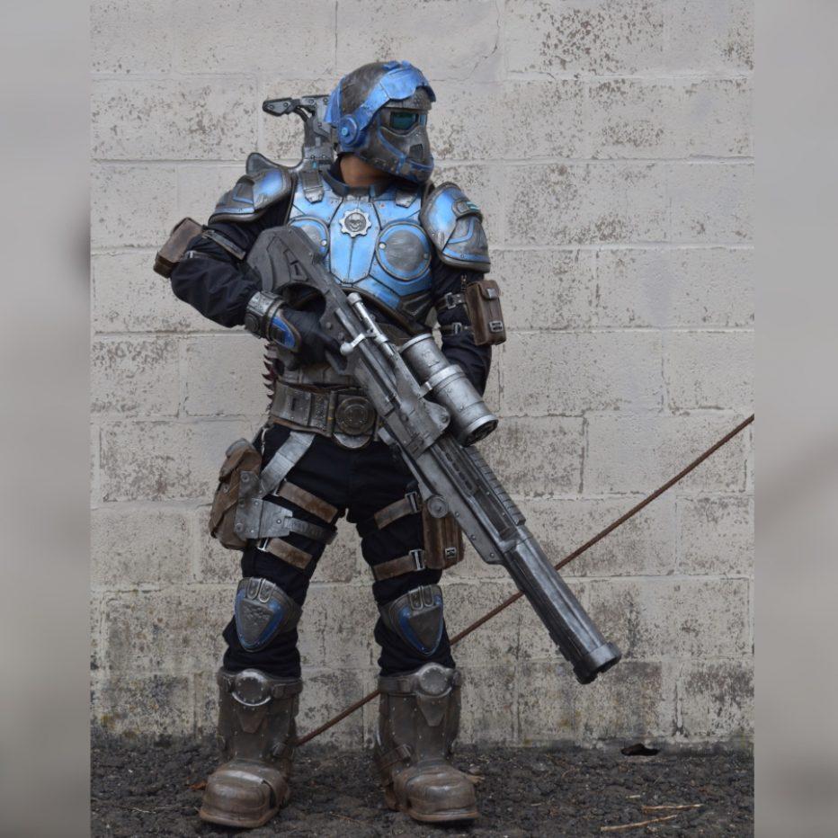 Gears-of-War-Benjamin-Carmine-Cosplay-Gamers-Heroes-1.jpg