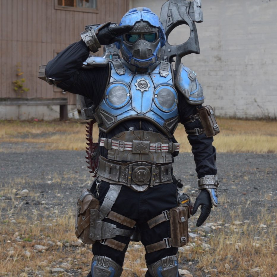 Gears-of-War-Benjamin-Carmine-Cosplay-Gamers-Heroes-3.jpg